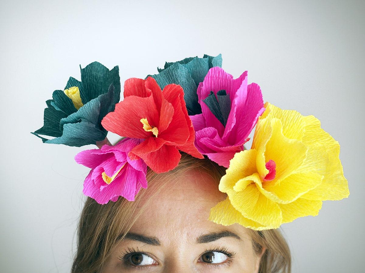 diy couronne de fleurs en papier facile faire soi meme a. Black Bedroom Furniture Sets. Home Design Ideas